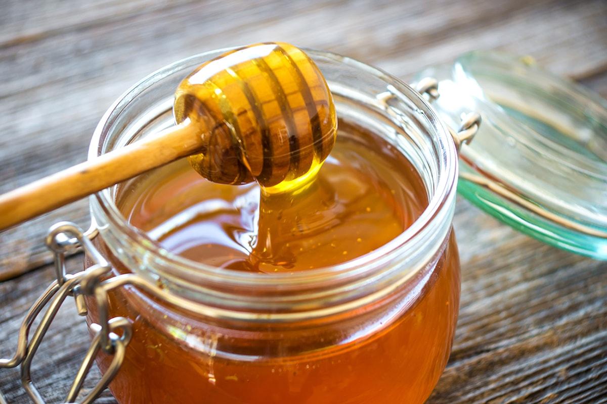 عسل النحل الاصلي لتعزيز الصحة